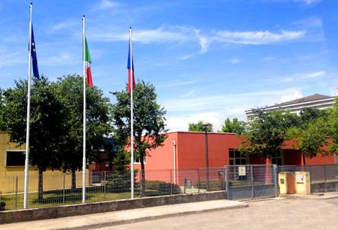 Facciata_della_scuola_dell'infanzia_di _Calcinato_[Immagine_jpg_108KB]